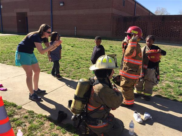 Dabney Students Learn About Firefighting