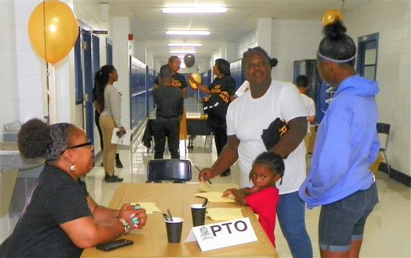 Sixth Graders and Parents Attend Orientation